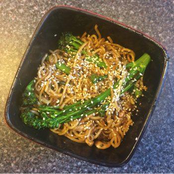 broccoli cashew chow mein